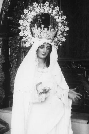 Primera y desaparecida imagen de la Virgen del Rocío tallada por Pío Mollar